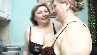 Chubby,Grannies,Fucking,Kissing,Lesbian,Mature,Orgasm,Shaved