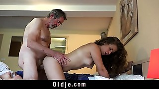 Big Cock,Blowjob,Cumshot,Daddy,Doggystyle,Grannies,Old and young,Orgasm,Seduced,Teen