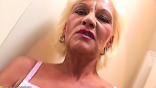 Black and Ebony,Blowjob,Grannies,Interracial,Mature,MILF,Old and young,Stepmom