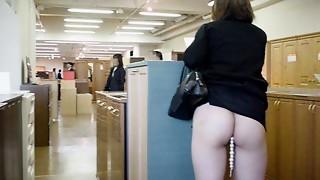 Amateur,Flashing,Mature,Public Nudity,Upskirt